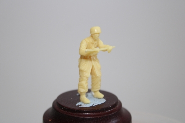 Nordwind 1/48 NWF 014 German Para No 3 walking with rifle