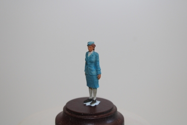 Nordwind 1/48 NWL 005 german airforce auxillery woman standing