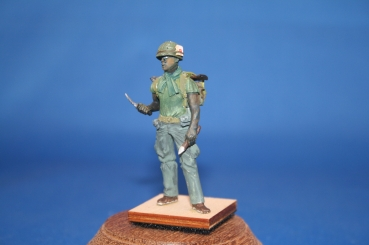 Peddinghaus 1/35 0748 US Vietnam GI with backpack and launcher