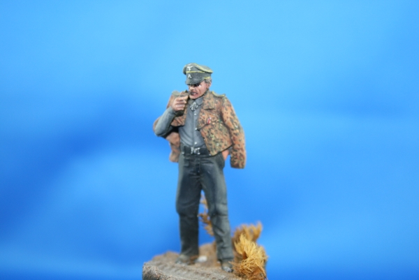 Nordwind 1/48 NWP 002 Officier Pz. Aufkl. Abt. with pipe