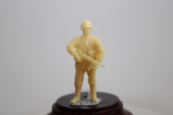 Nordwind 1/48 NWW 011 Coporal standing with MP 40