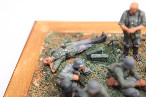Nordwind 1/48 NWW 015 Soldier resting laying on his back